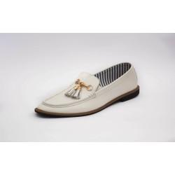 Loafer Tassel Buckel White